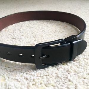 LEVI'S BLACK LEATHER WAIST BELT S 22-24